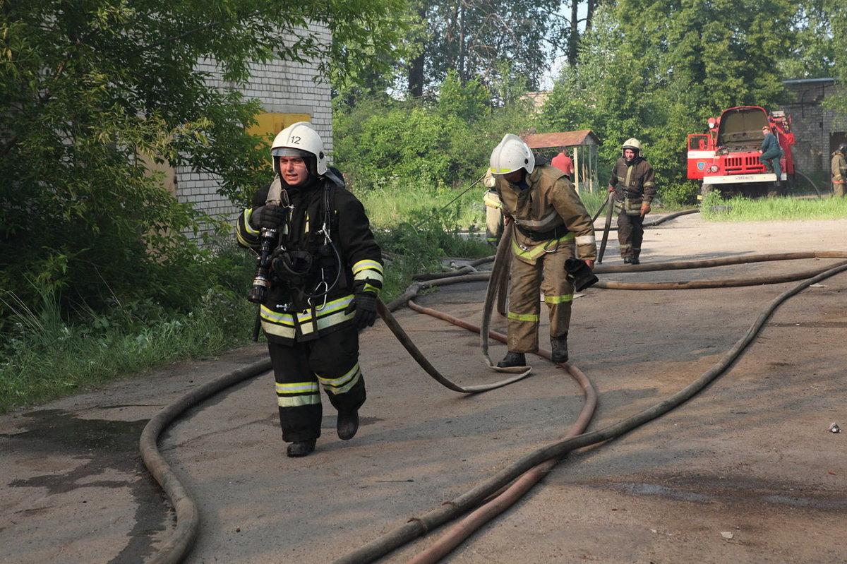 В Ярославской области на Советской площади горел автобус