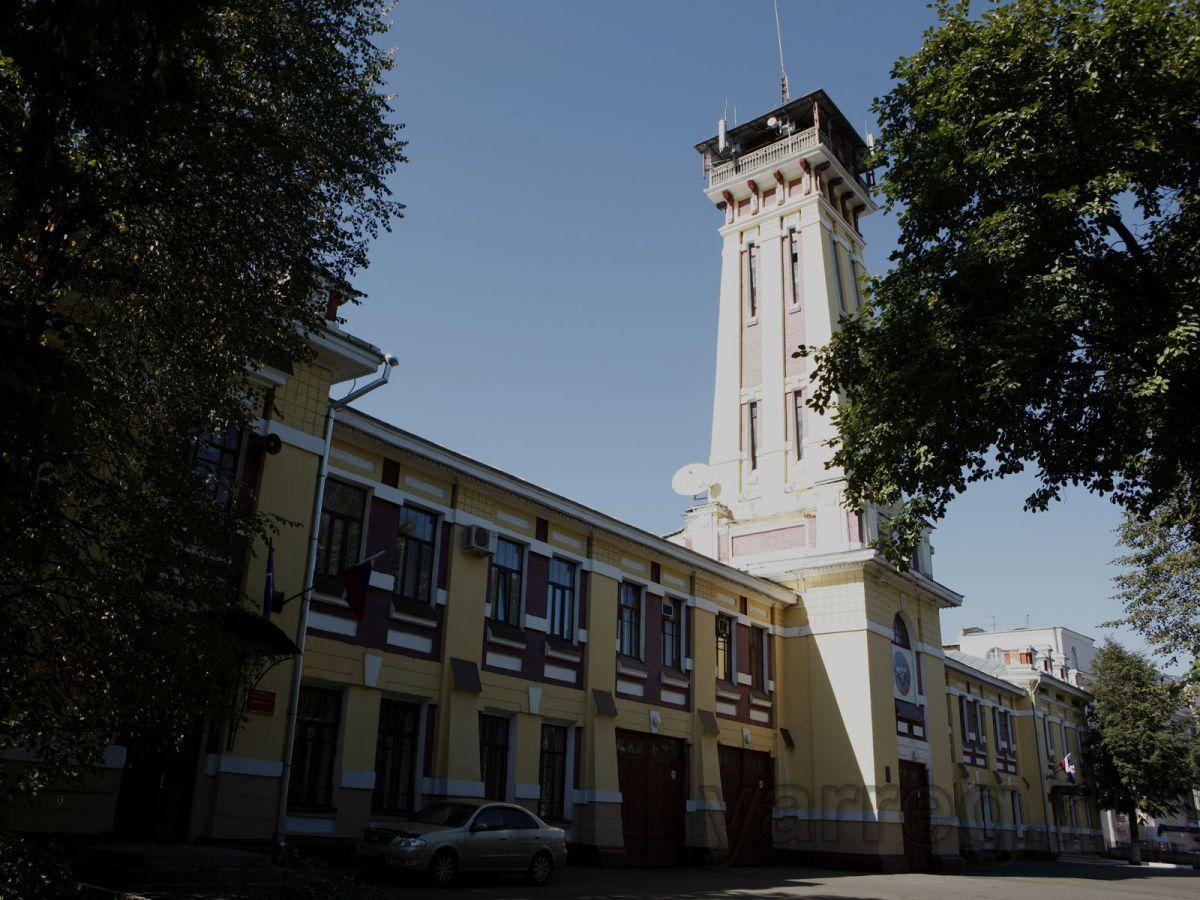 На Красной площади установили памятник пожарным