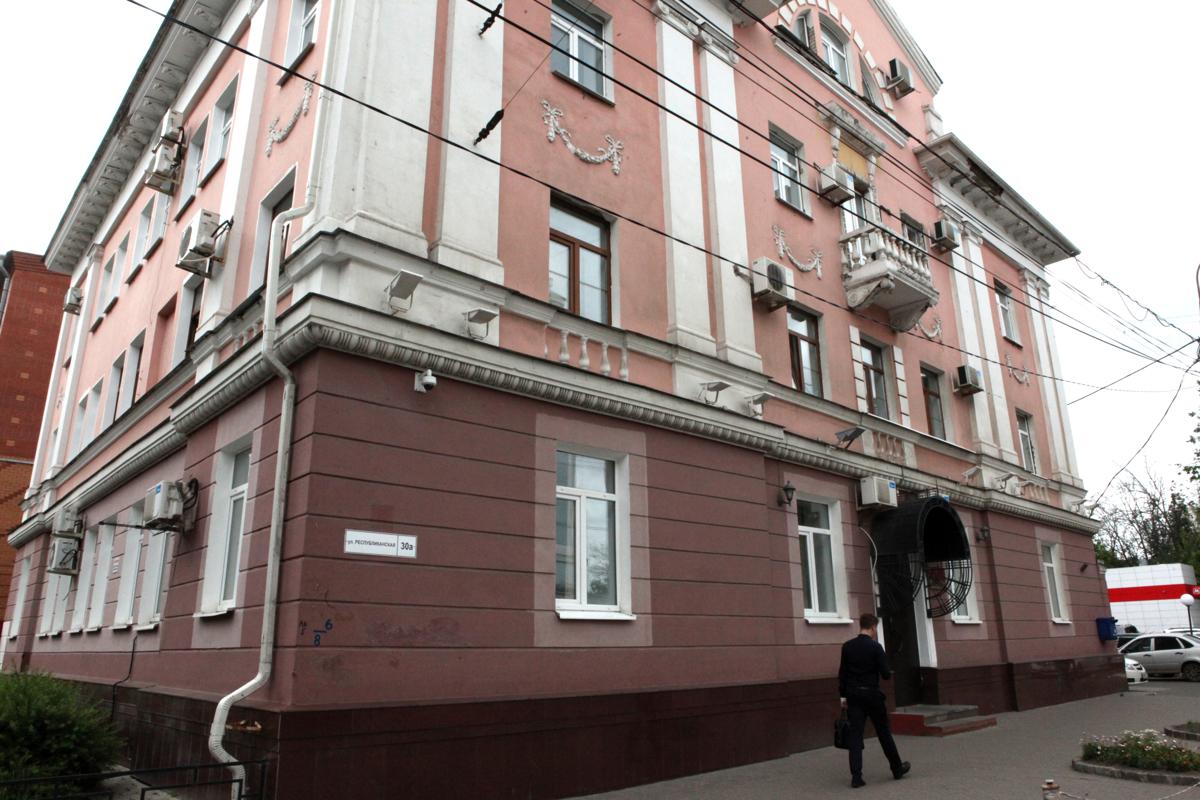 Ученица школы в центре Ярославля на уроке физкультуры получила перелом позвоночника