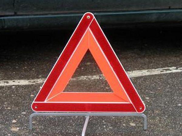 В Ярославской области пенсионер на «Ладе» врезался в припаркованный КамАЗ