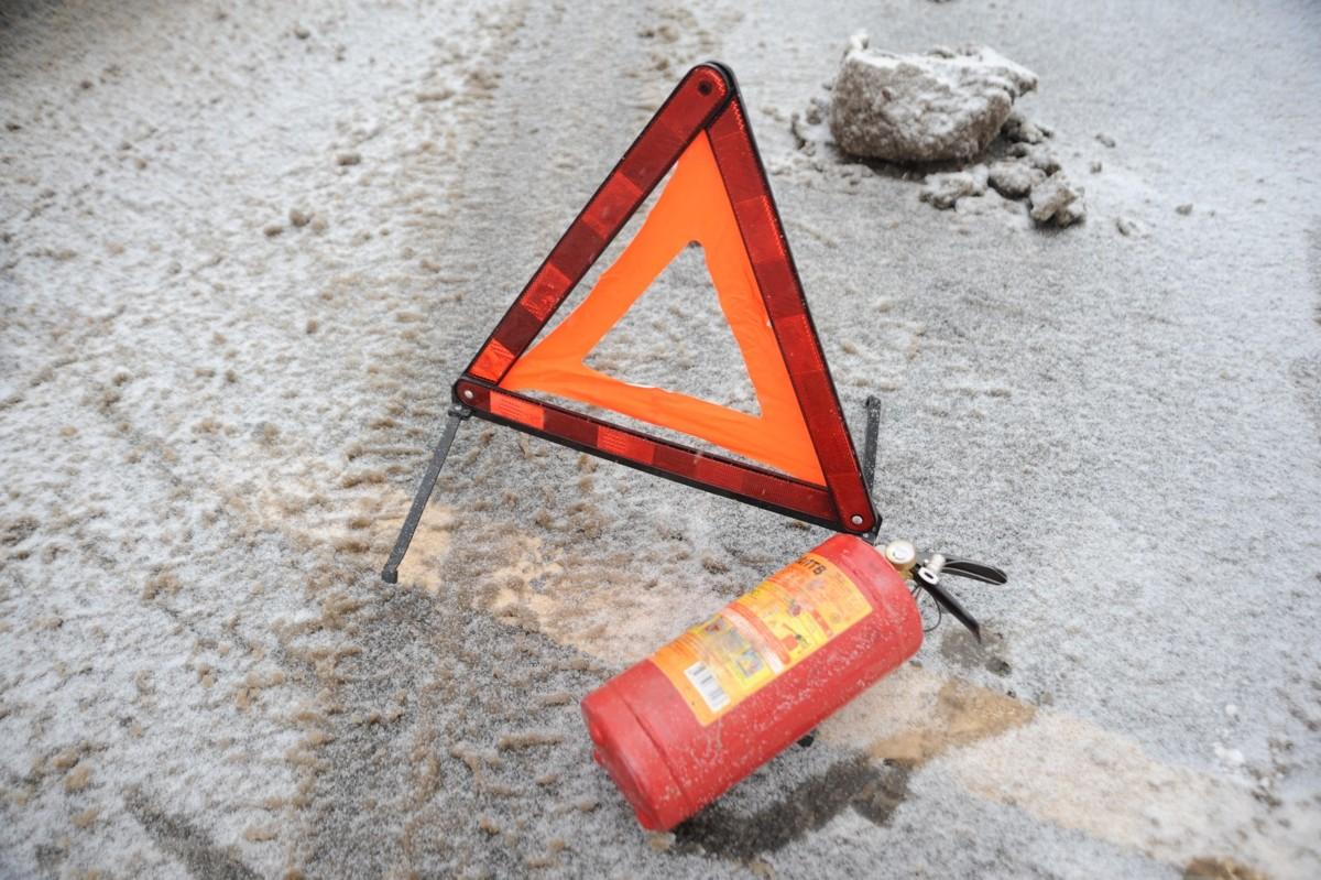В Ярославской области женщина на ВАЗе столкнулась с внедорожником: погиб мужчина