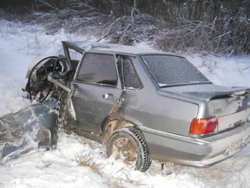 В Гаврилов-Ямском районе столкнулись два автомобиля