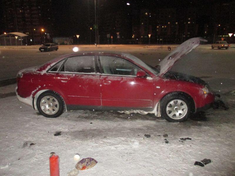 На парковке у гипермаркета «Глобус» сгорел автомобиль