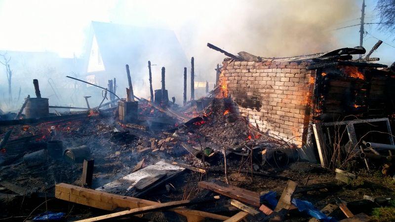 В Переславском районе горит трава