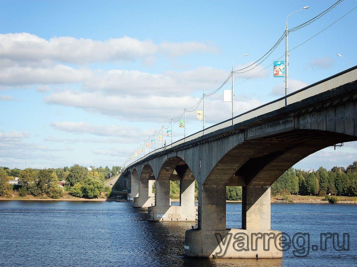 Полицейские не дали ярославне спрыгнуть с Октябрьского моста