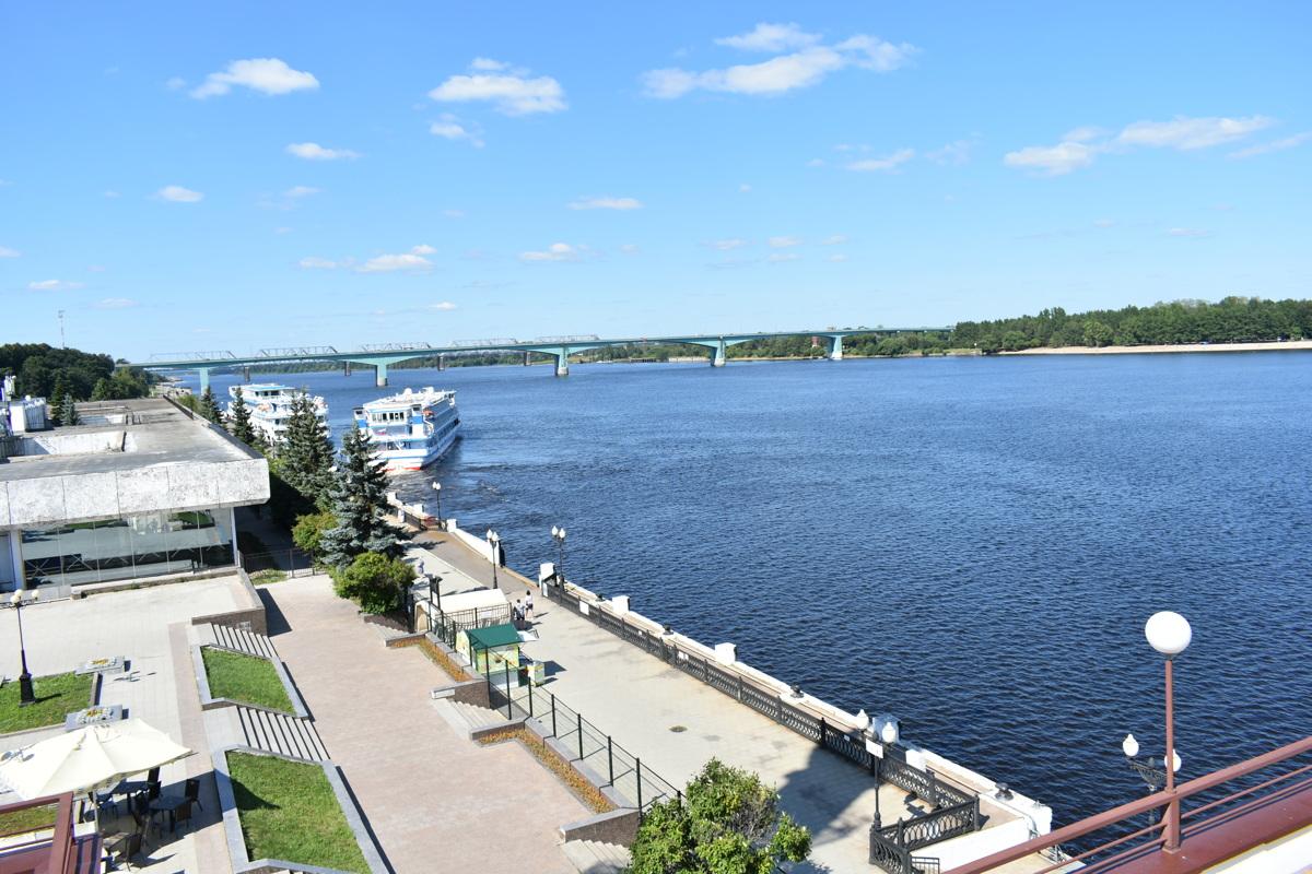 В водоемы региона сбрасывают 175 миллионов кубометров сточных вод: в Ярославле обсудили, как сделать Волгу чистой