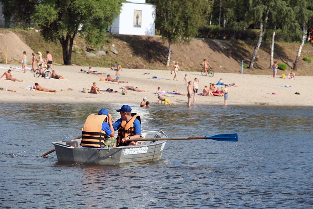 С Центрального пляжа в Ярославле хулиганы украли спасательное оборудование