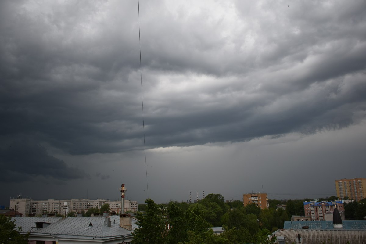 На Ярославль идут ливни и грозы – предупреждение МЧС