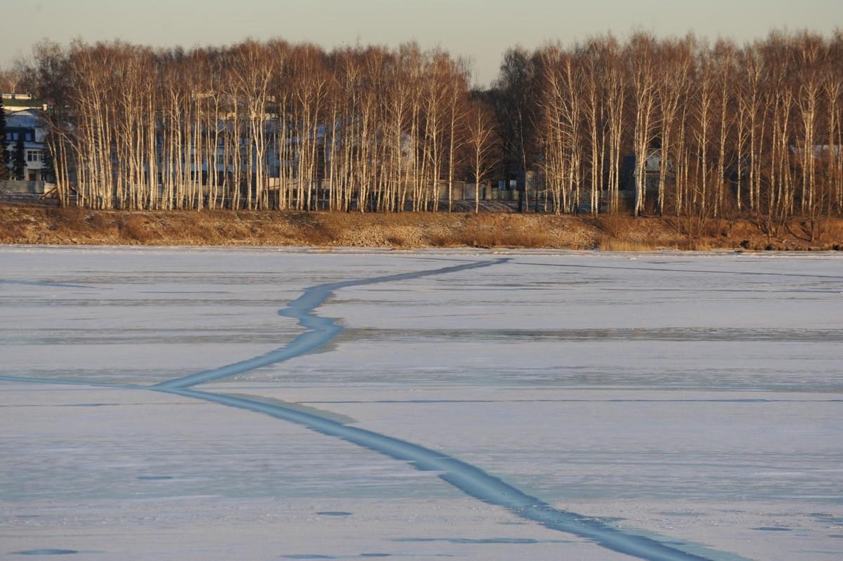 В четырех районах Ярославской области запрещен выход на лед