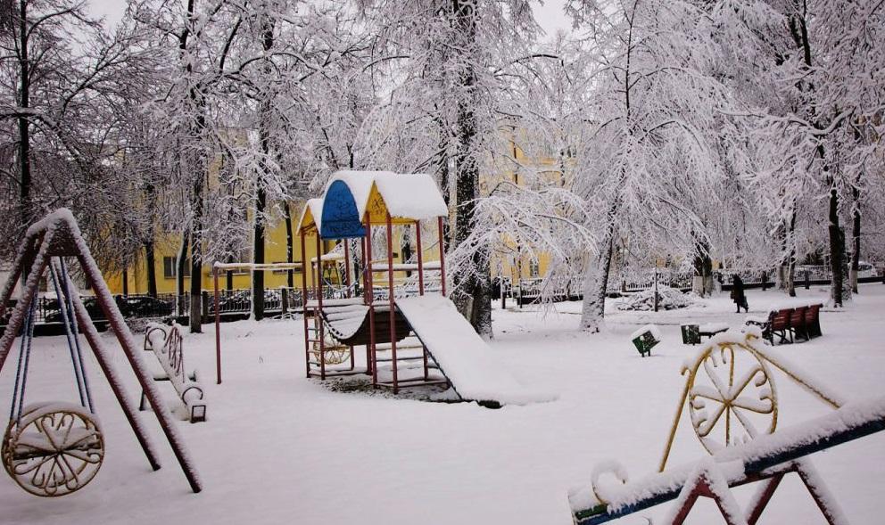 Экстренное предупреждение МЧС: на Ярославль надвигаются снегопады и мощный ветер