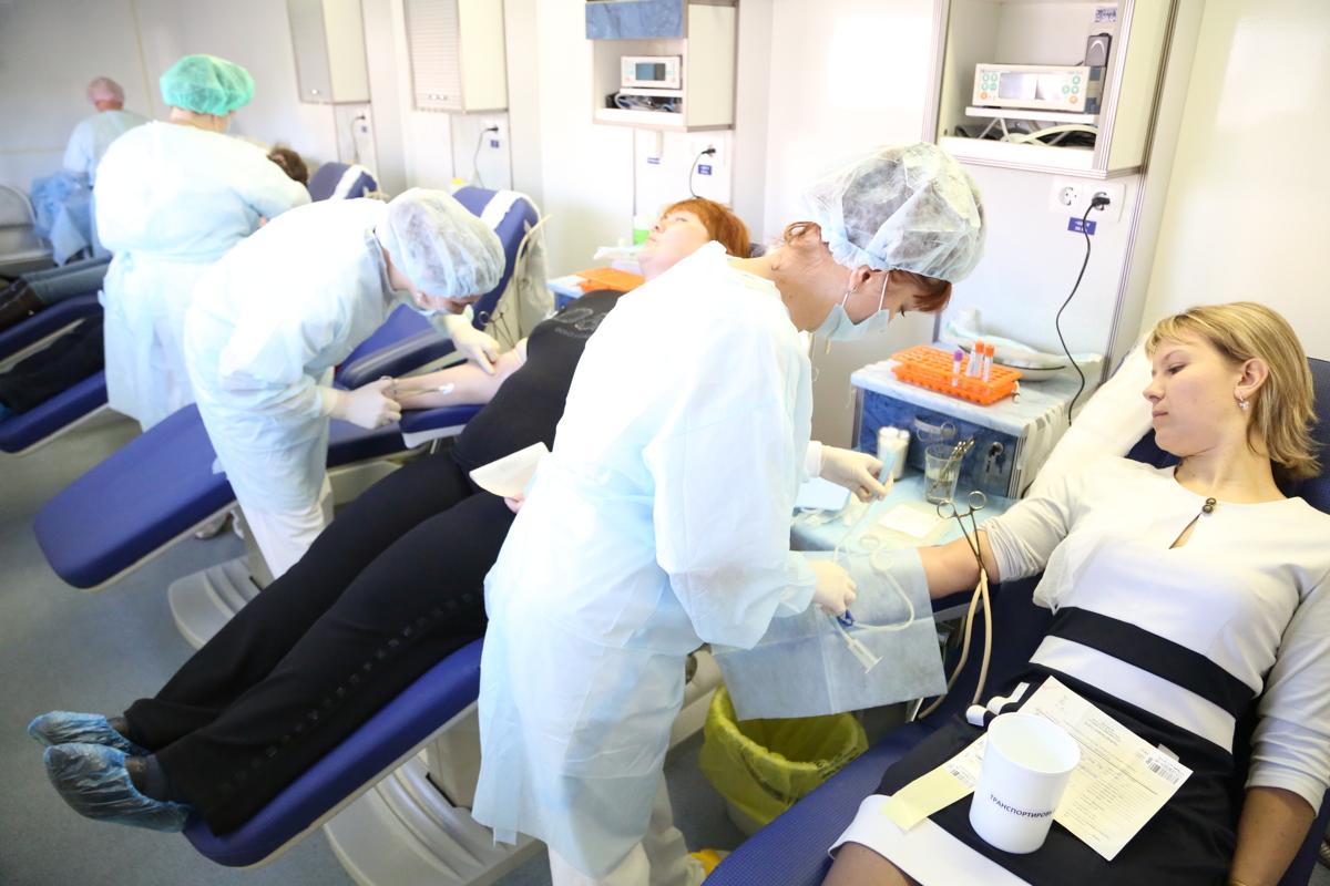 Донорский светофор призывает ярославцев активнее сдавать кровь