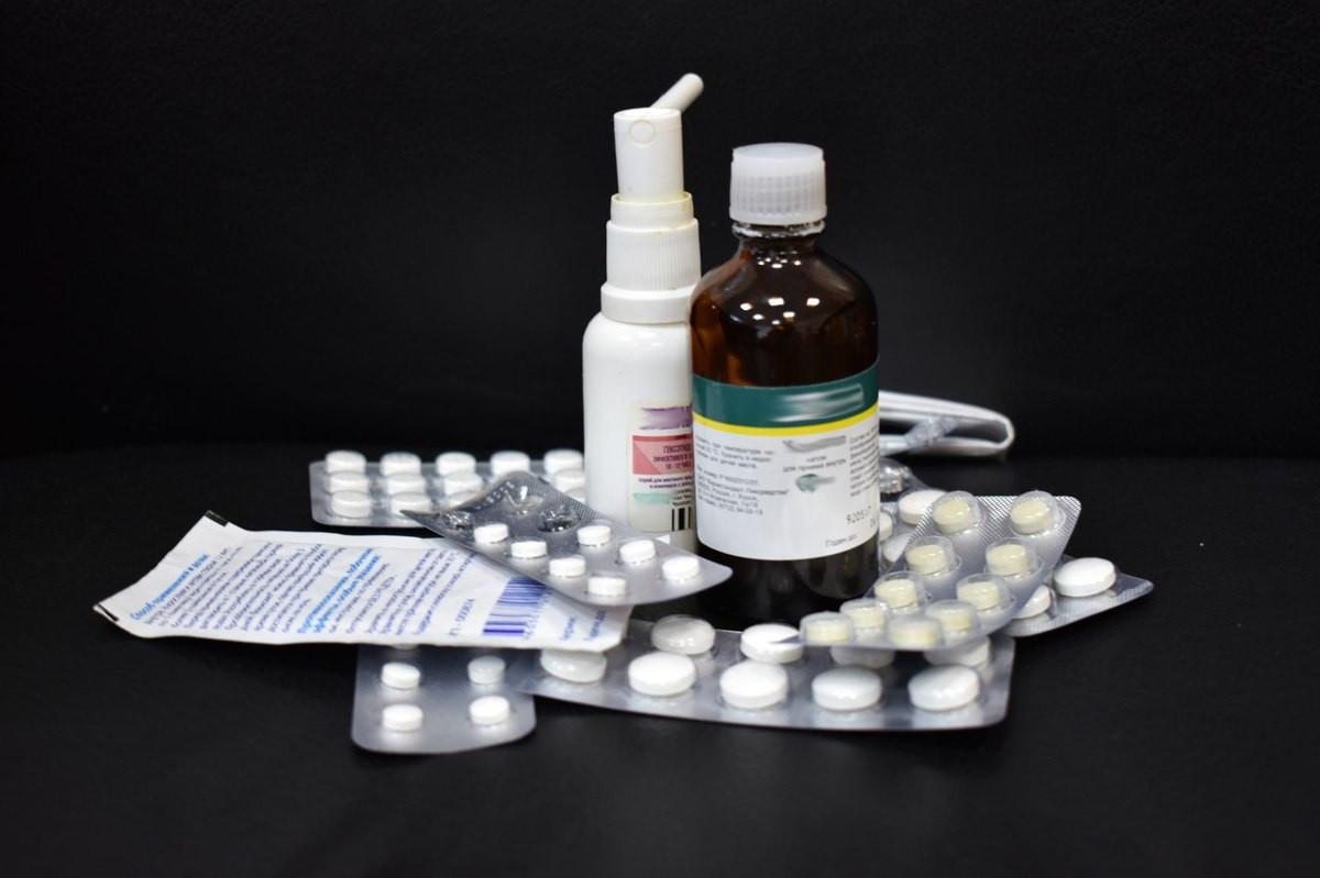 В Ярославской области льготникам в возрасте старше 65 лет лекарства будут доставлять на дом
