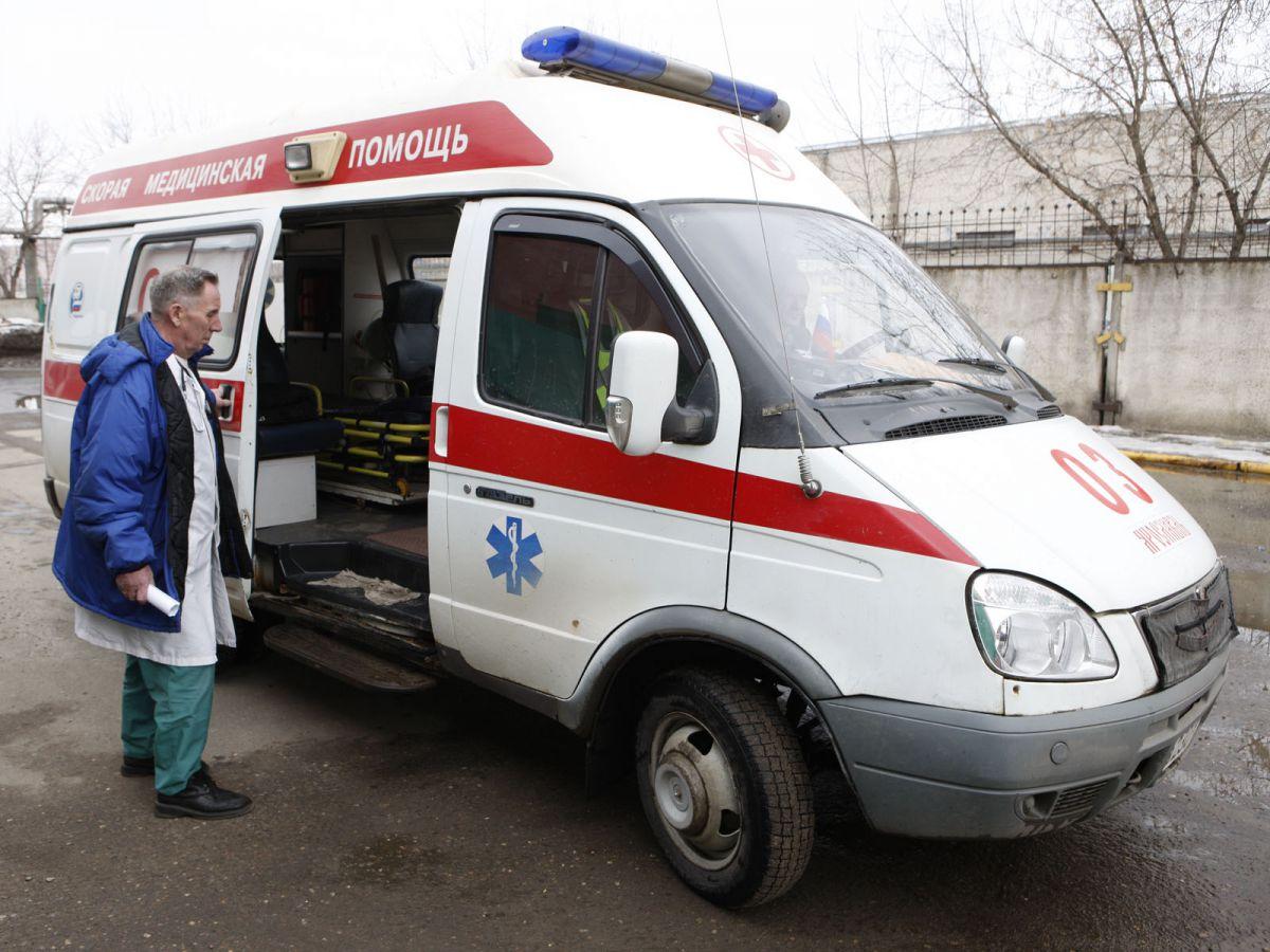 В Ярославле водитель разбил машину и бросил в ней умирающего друга