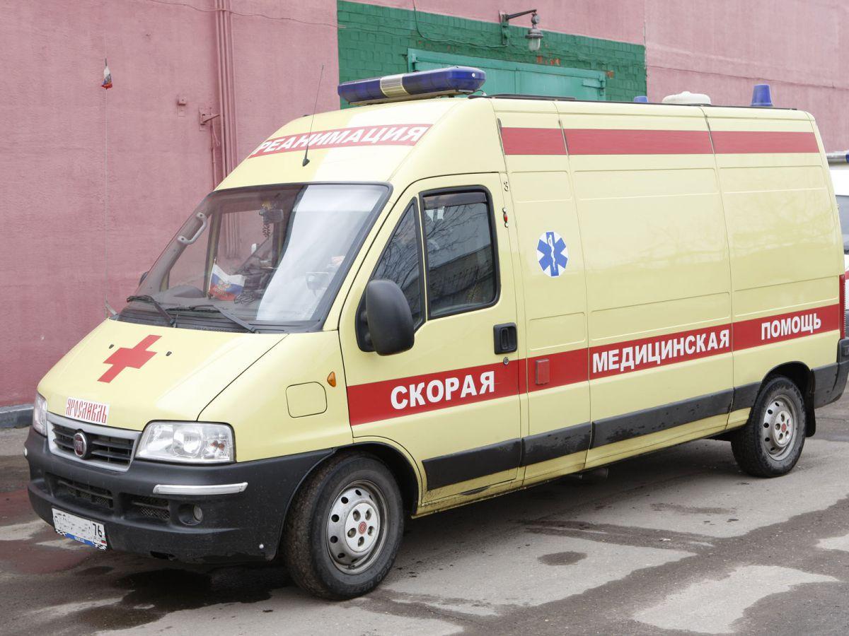 В Ярославской области перевернулся внедорожник: водитель погиб, пассажирка ранена