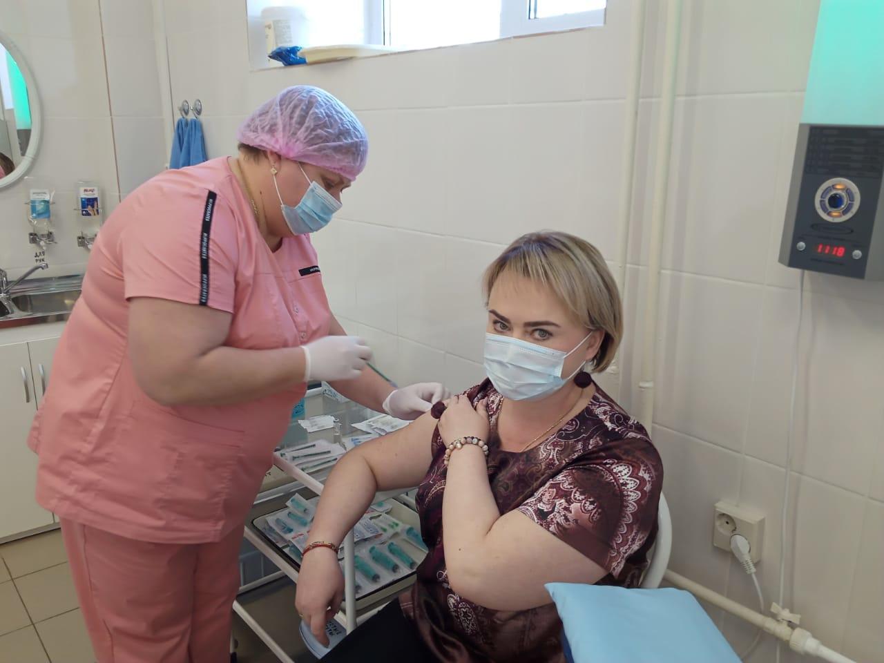 Записаться на вакцинацию от коронавируса теперь можно с использованием новых электронных сервисов