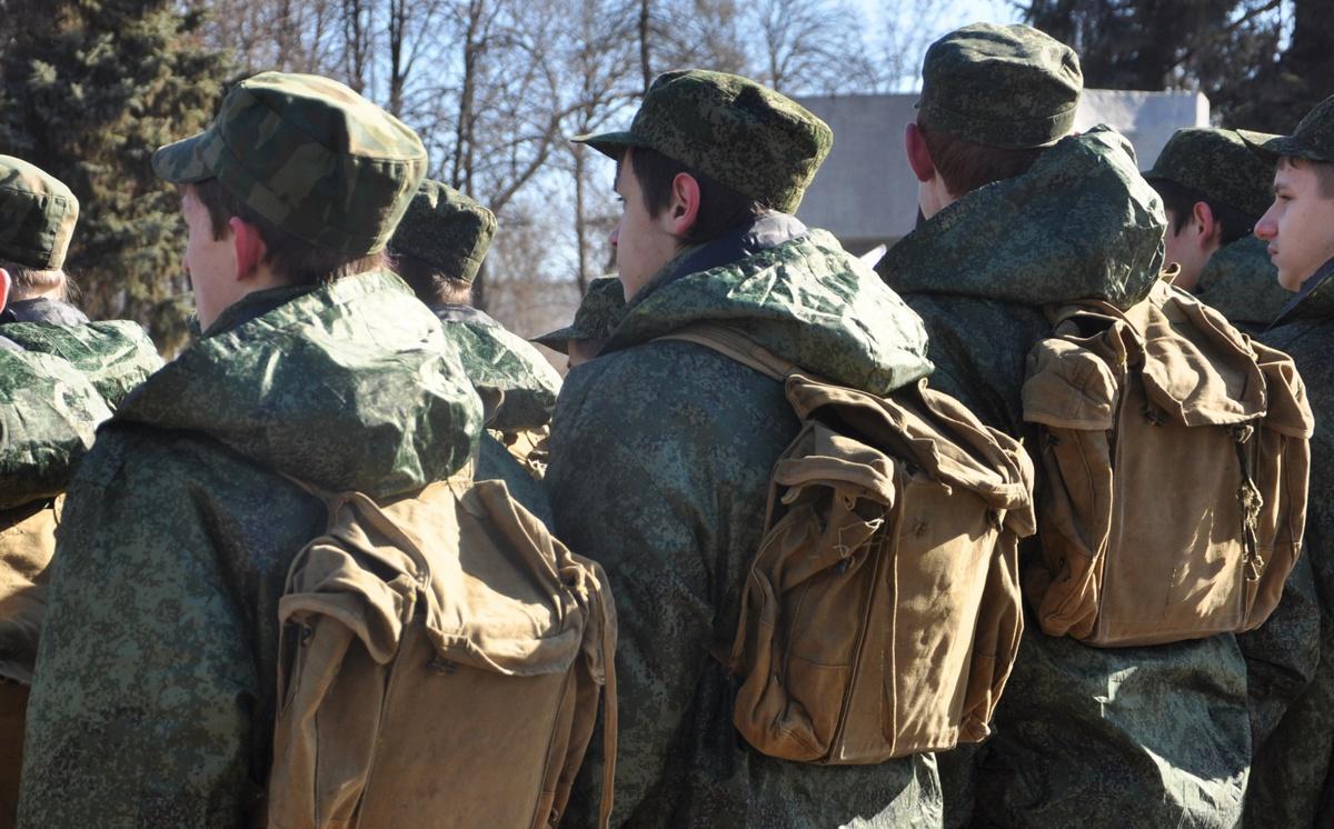 Призывник от «А» до «Д». В современной армии ярославцы за год могут накопить на «малосемейку»