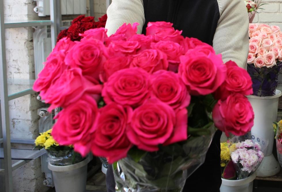 Недолгий праздник: ярославцы подают в суд на предпринимателя за то, что его цветы рано завяли