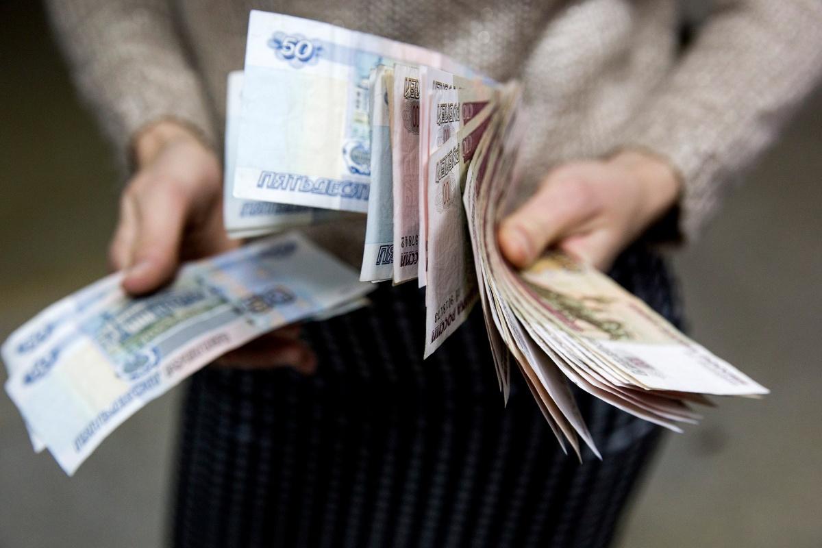 9 - В ярославском транспорте лжеволонтеры собирали деньги, прикрываясь историями больных детей