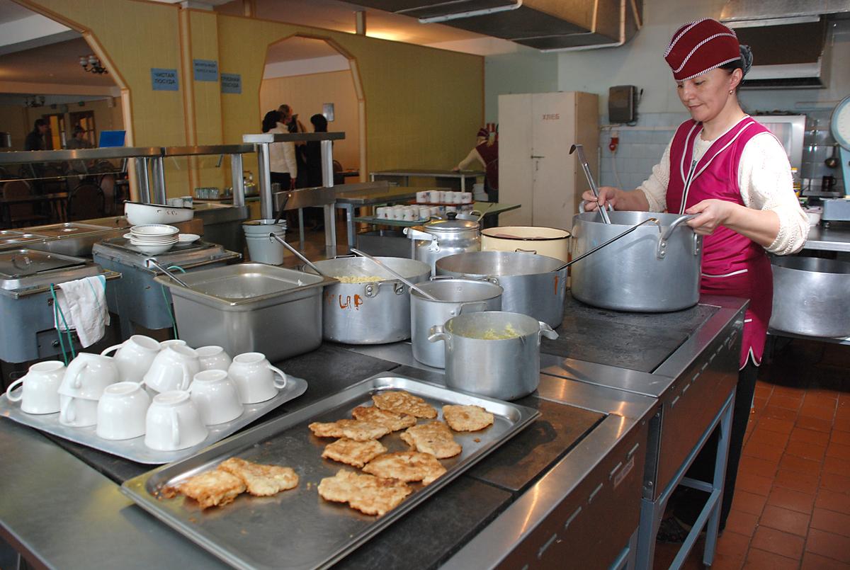 В школах Ярославля учтут мнение родителей о качестве питания