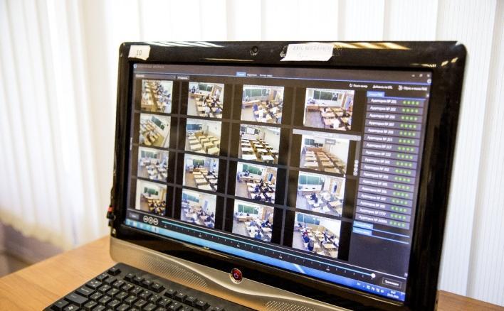 90 школ и колледжей Ярославской области получат интерактивные компьютерные комплексы