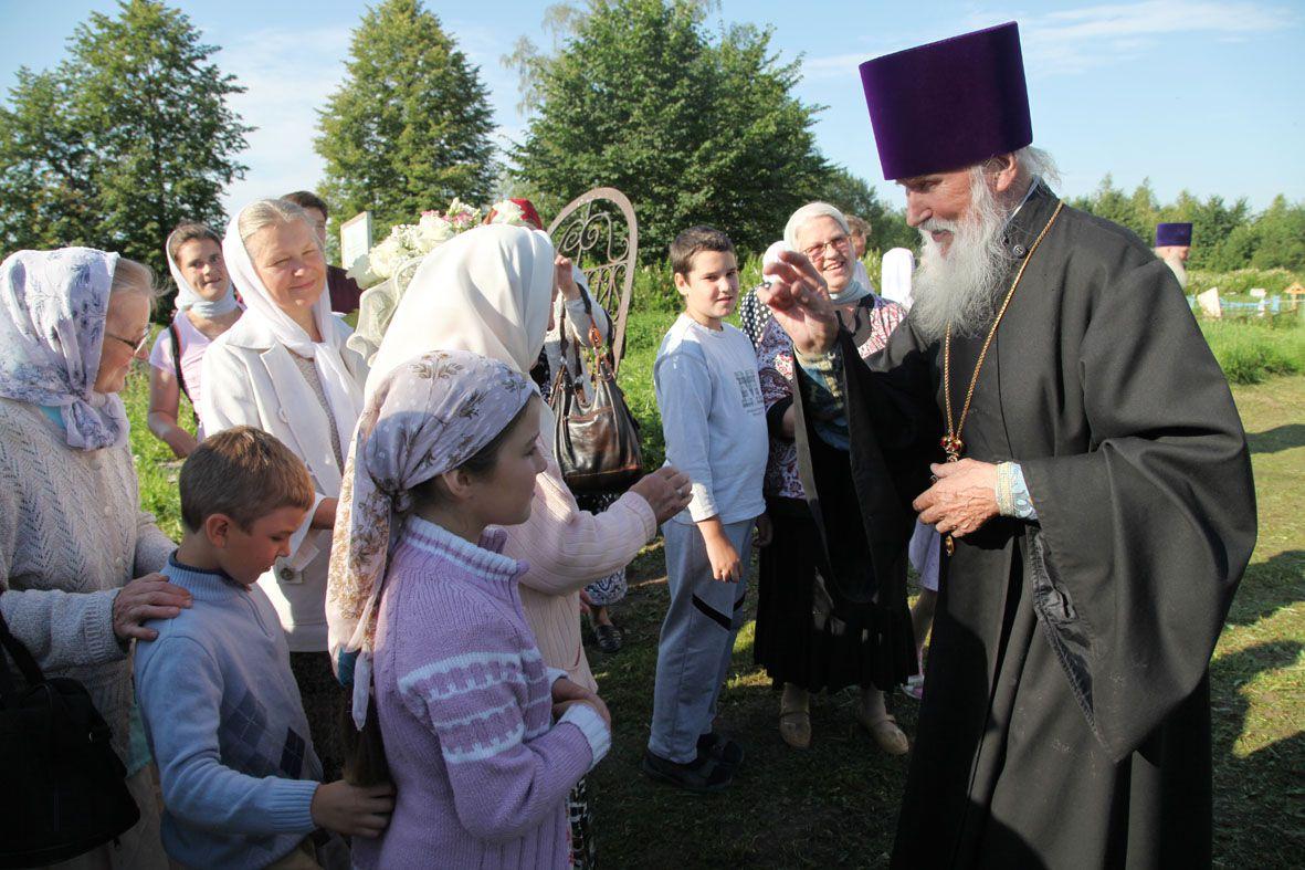 1 января исполнилось 90 лет старейшему клирику Ярославской митрополии