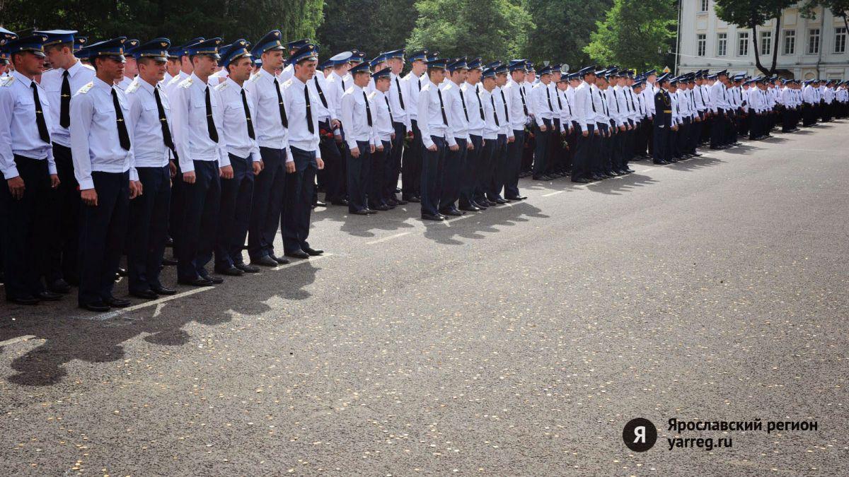 15 ярославцев отправятся служить в кремлевский Президентский полк