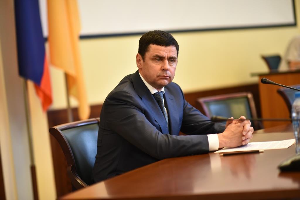 Дмитрий Миронов поблагодарил участников ликвидации последствий аномального снегопада