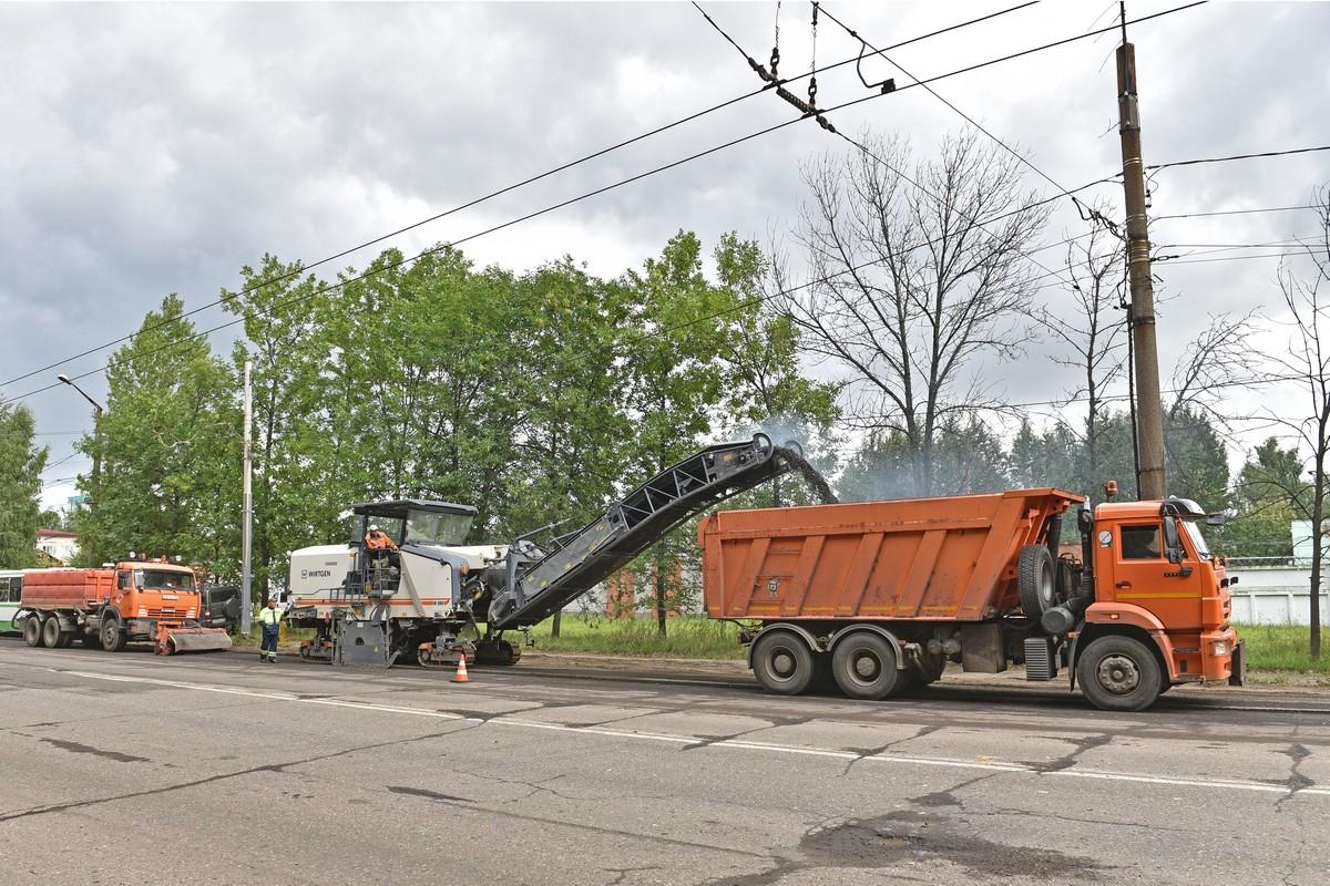Прокуроры обвинили подрядчика в срыве сроков ямочного ремонта в Ярославле