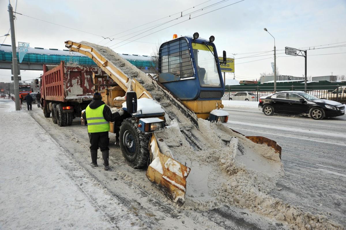 В Ярославле скорректируют маршруты снегоуборочной техники в экстремальных погодных условиях