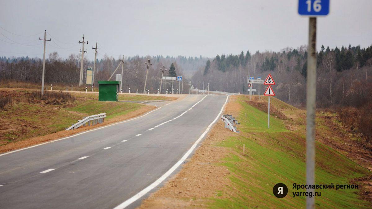 Депутат Госдумы предложил штрафовать водителей за выброшенные из окон окурки
