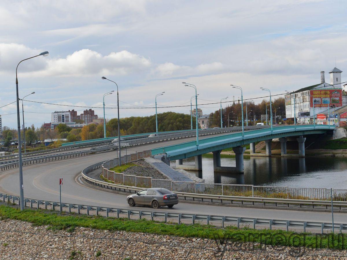 На областных дорогах введут трехмесячное ограничение движения большегрузов