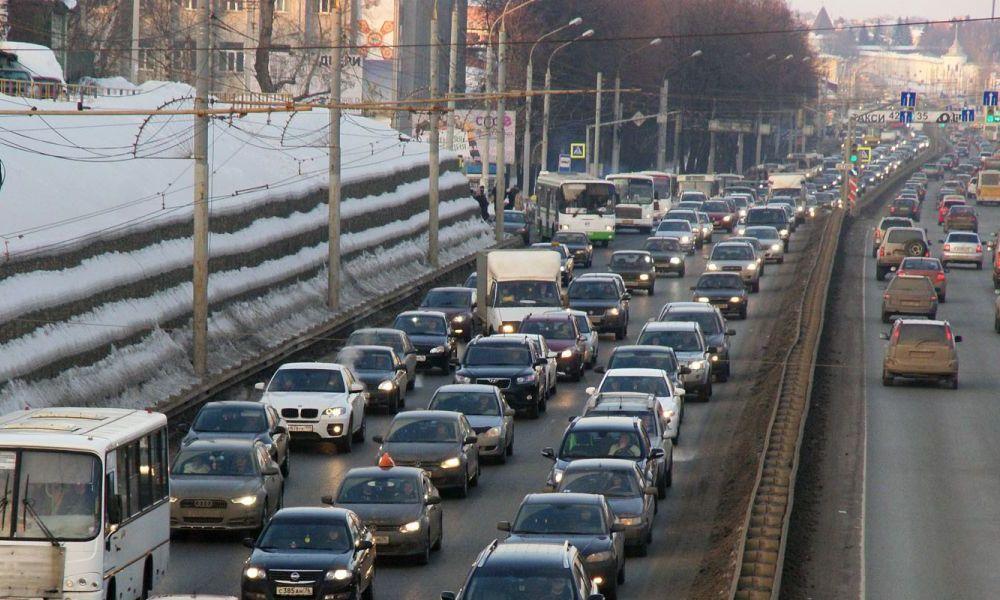 В апреле по дорогам Ярославля запретят движение грузовиков