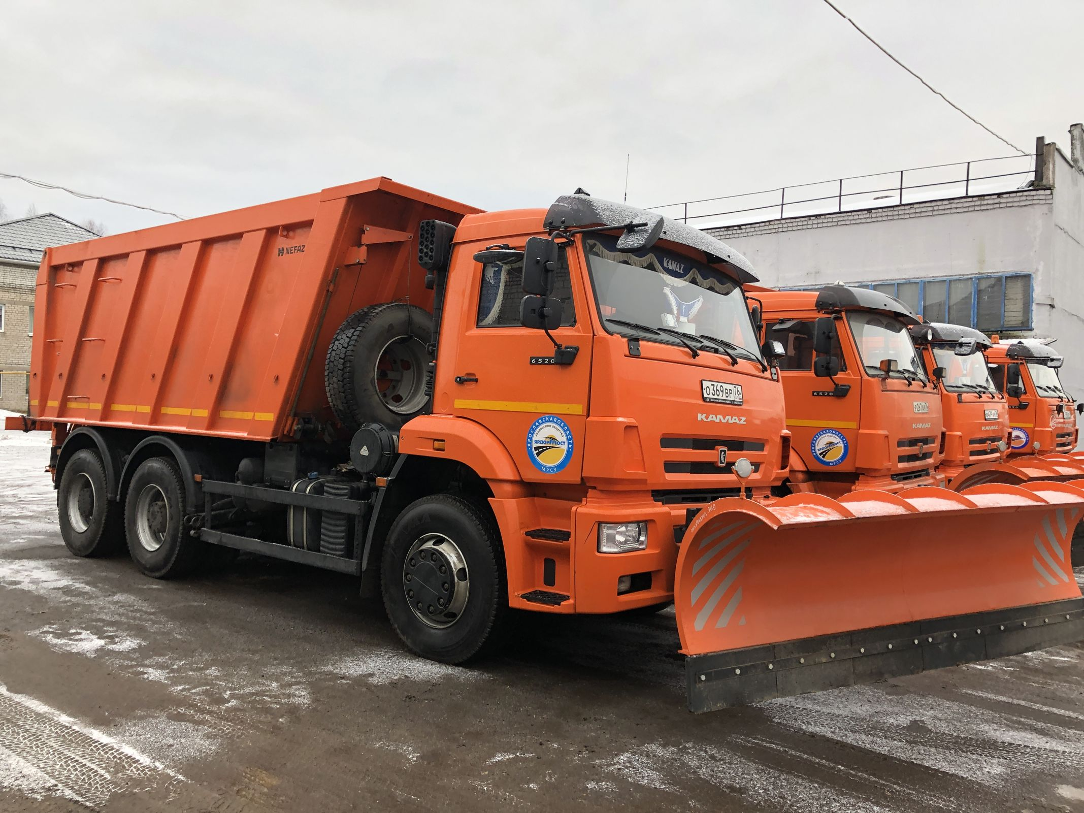 Мэрия Ярославля планирует закупить более 80 единиц техники для зимней уборки дорог
