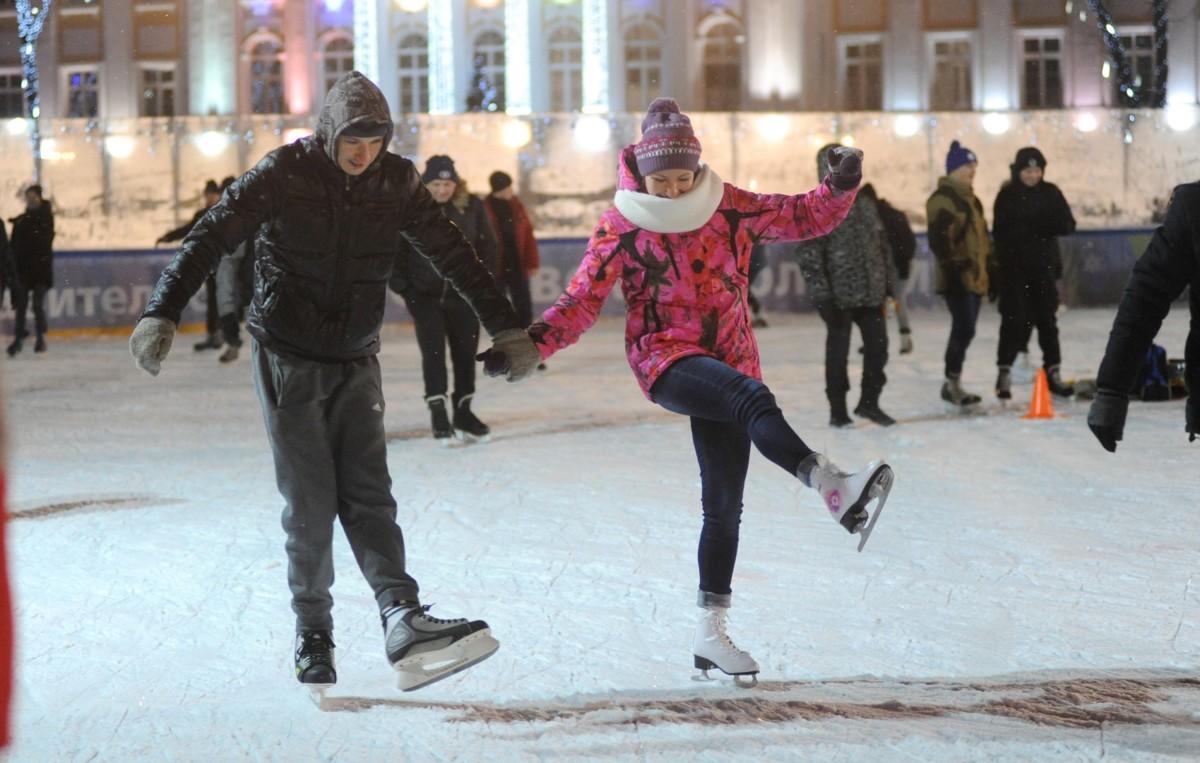 Каток в центре Ярославля скоро снова начнет работать