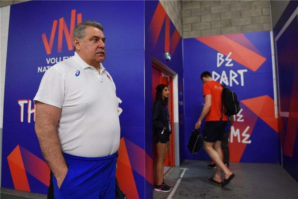 Сергей Шляпников покинул пост главного тренера сборной России по волейболу