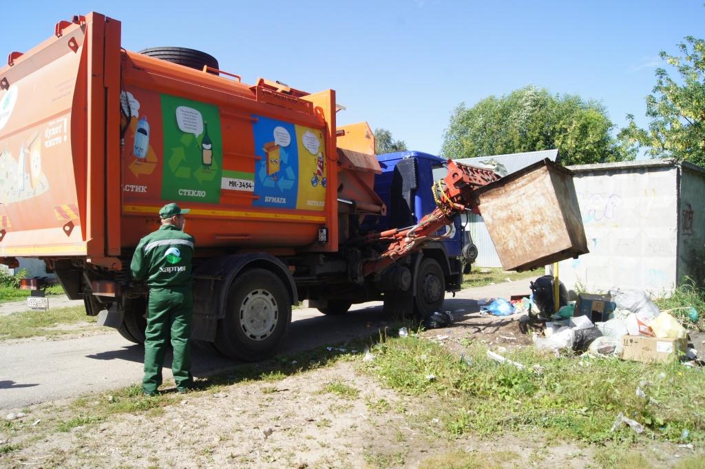 В Ростовском районе ликвидированы мусорные завалы на контейнерных площадках