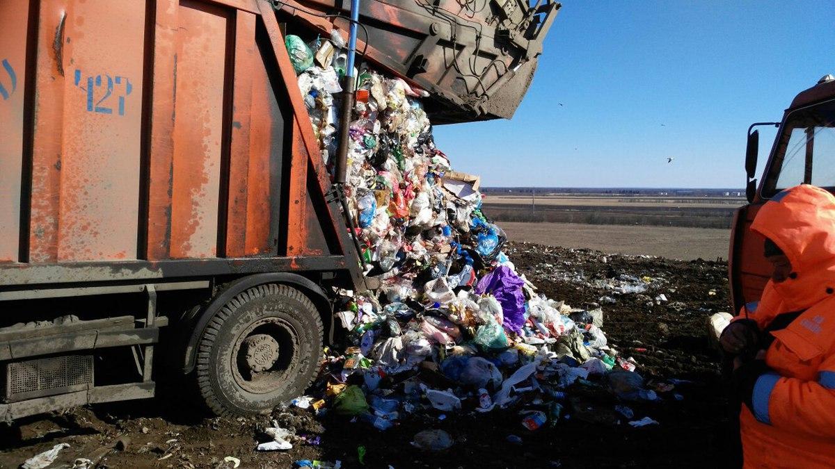В каждой из машин, въезжающих в «Скоково», не более 20 тонн непрессованных твердых коммунальных отходов – МЧС