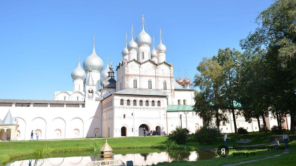 Ростовскому кремлю князь-эмигрант передал в дар поддельные картины
