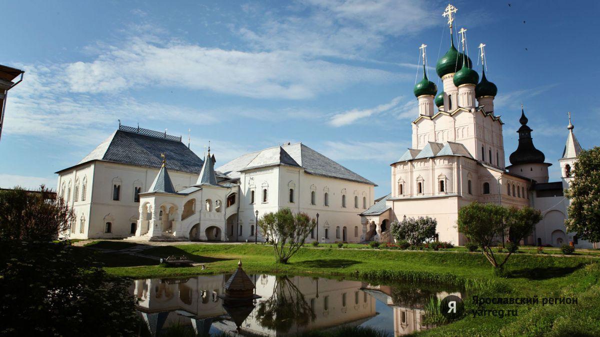 Выставка Ростовской финифти открылась в вологодском Кирилло-Белозерском музее-заповеднике