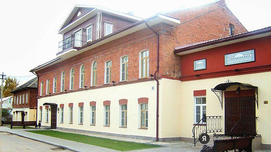 Любовь Казарновская представит свои мемуары «Любовь меняет все» в Вятском