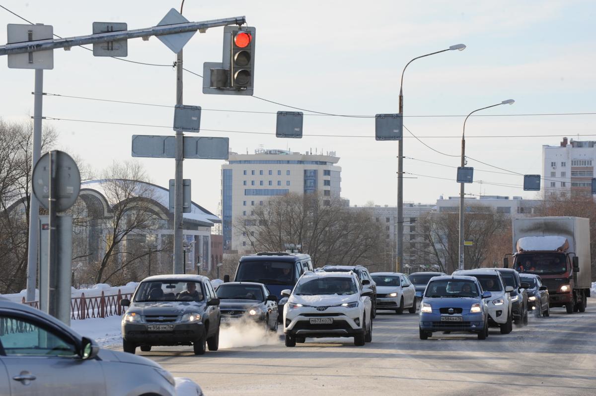 Господдержка помогает ярославцам приобретать отечественные автомобили дешевле