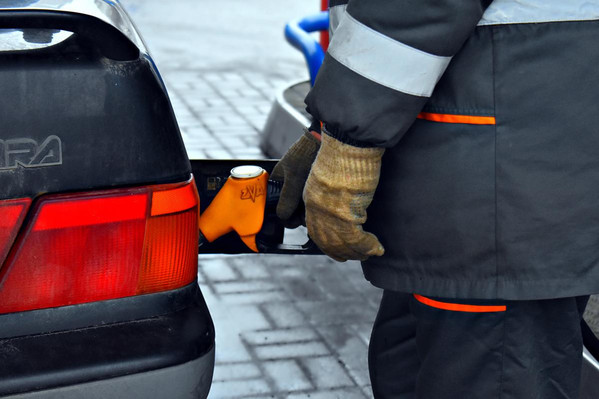 Как выросли цены на бензин в Ярославской области с начала года: статистика