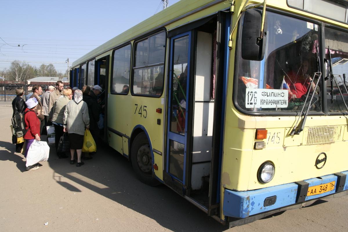 В Ярославле менее чем за две недели полсотни водителей общественного транспорта нарушили ПДД