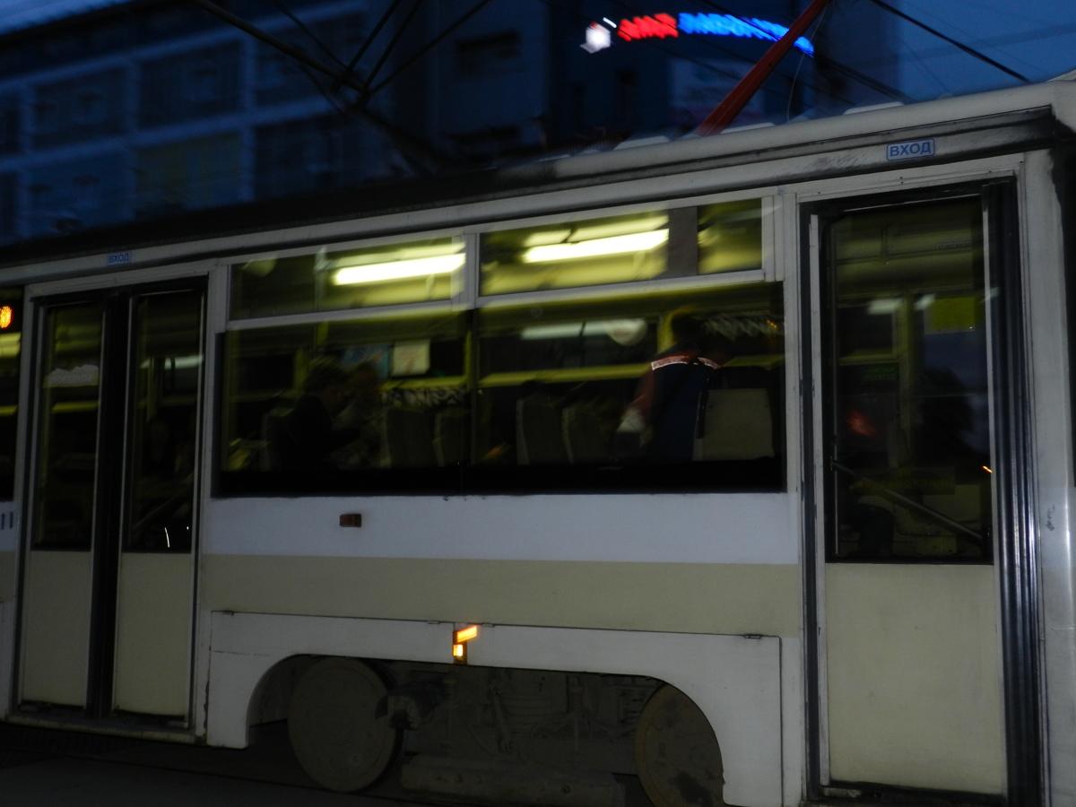 Молодую жительницу Ярославля осудят за нападение на пассажирку трамвая