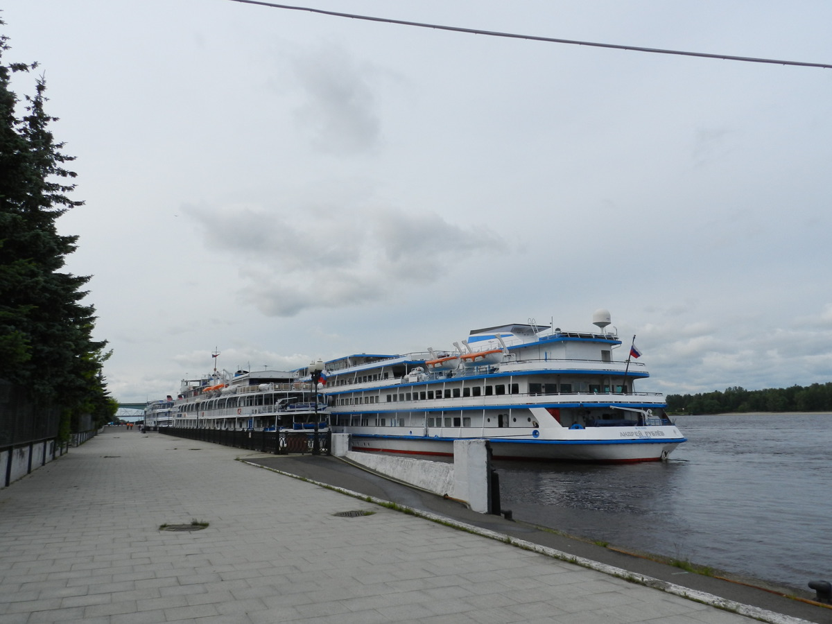 Сегодня из Ярославля отправляется в речной круиз первый в этом году теплоход