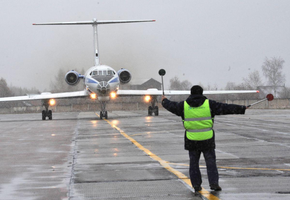 Причиной громкого хлопка в Ярославле, возможно, стали проблемы с двигателем самолета
