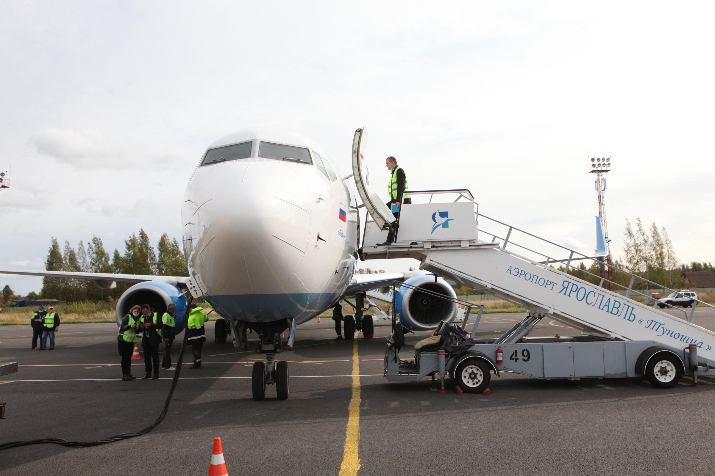 За два месяца почти 6,5 тысячи пассажиров перевезены из аэропорта Туношна в Санкт-Петербург и обратно