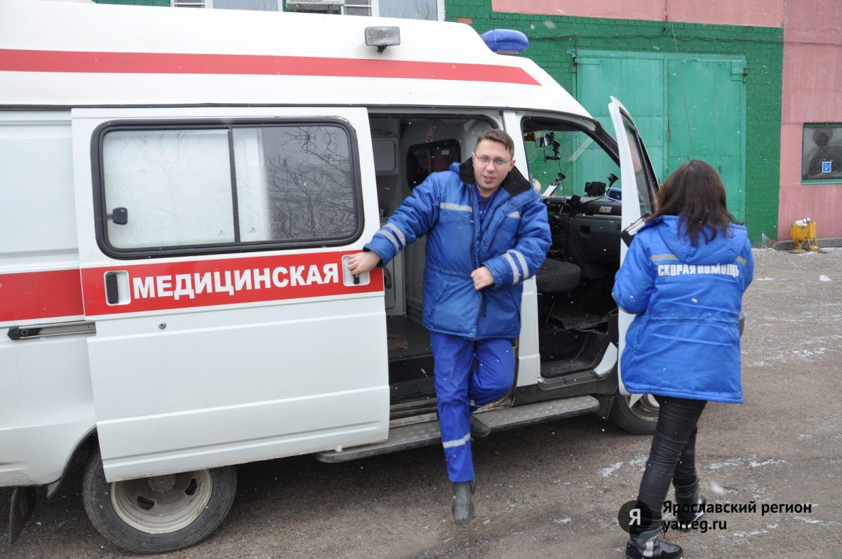 В одном из торговых центров Ярославля женщину насмерть придавило холодильником